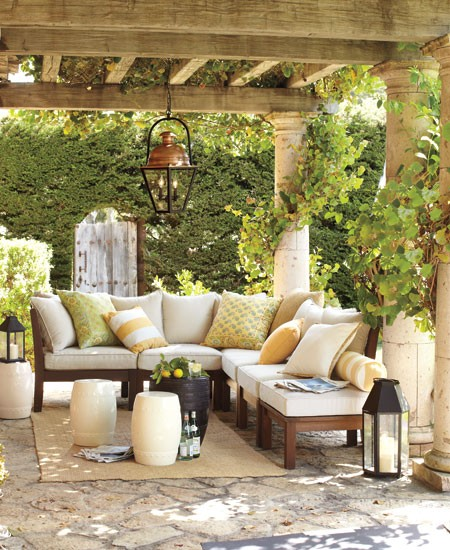 Inspire bohemia dreamy outdoor spaces part ii for Decorating outdoor spaces