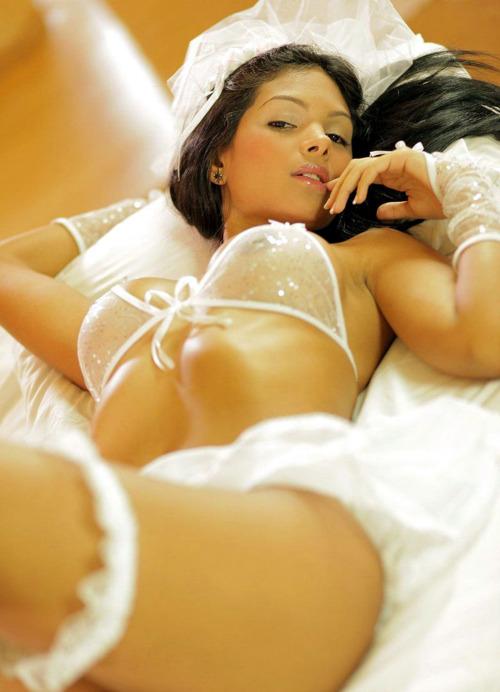 S Latin Bride