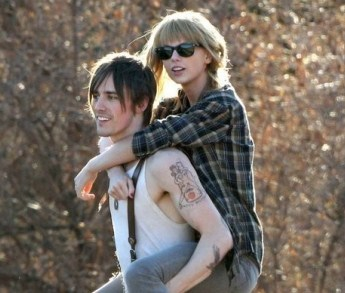 Taylor Swift and Reeve Carney in I Knew You Were Trouble Music Video