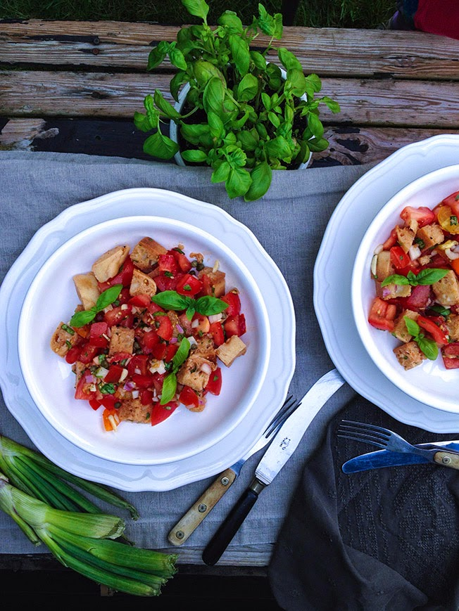 Panzanella - Italiensk Brødsalat - Green Umami - Vegetarmad med masser af smag