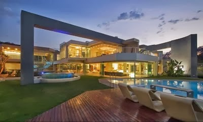 Residencia contemporánea sudafricana amplia y lujosa