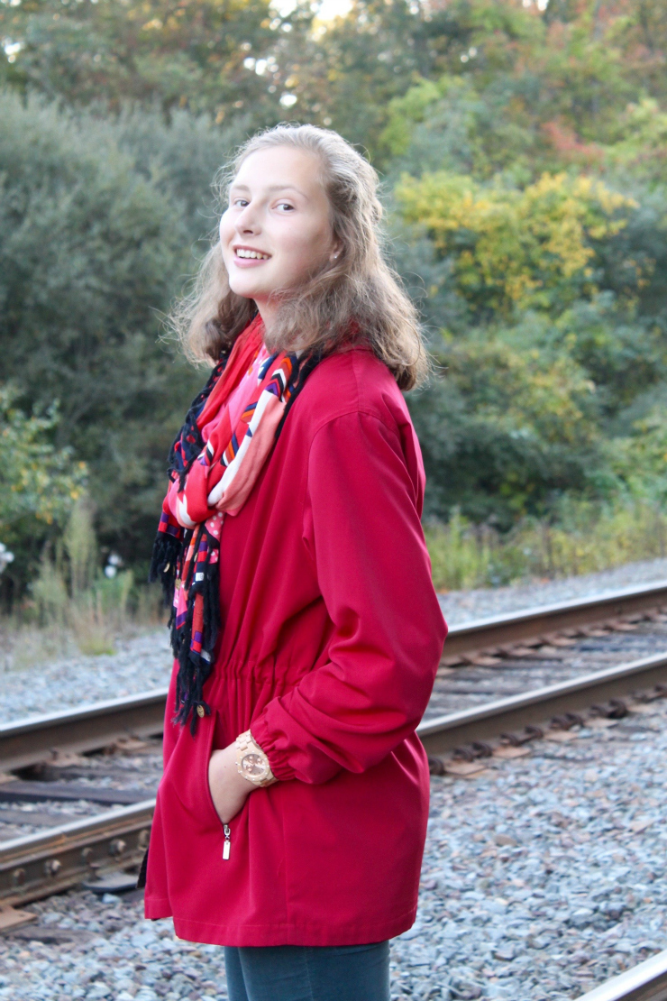 Simple and chic fall outfit, red coat and clutch