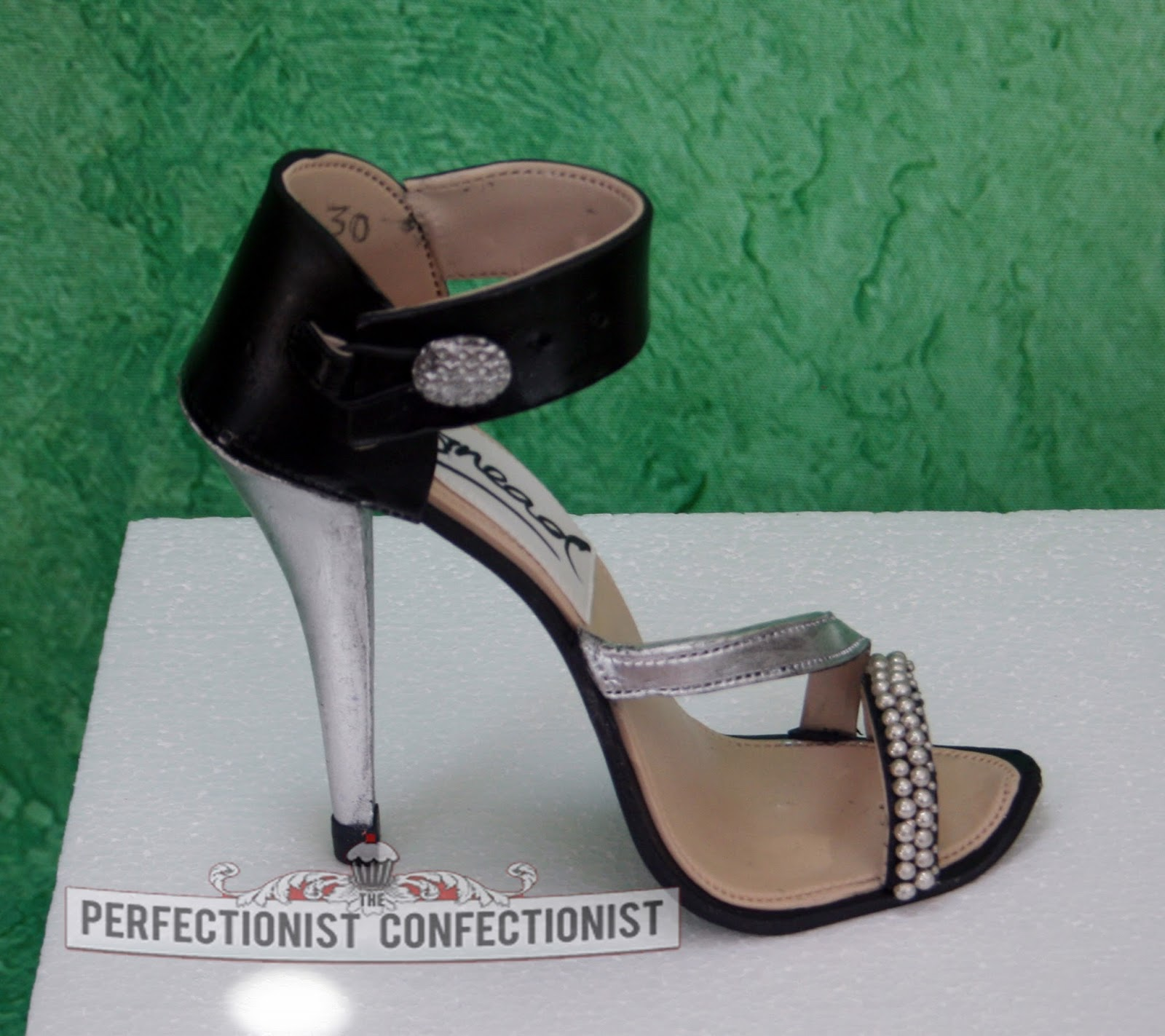 The Perfectionist Confectionist: Sinead - High Heel Shoe ...