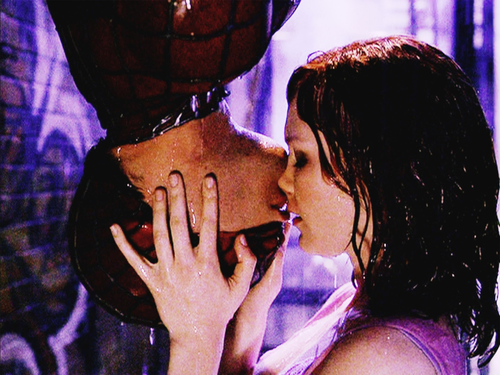 spider man kiss