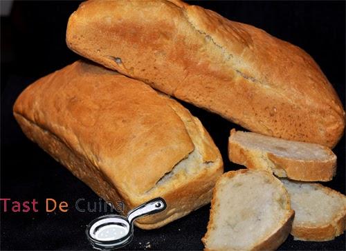 http://tastdecuina.blogspot.com.es/2013/02/pa-casero.html