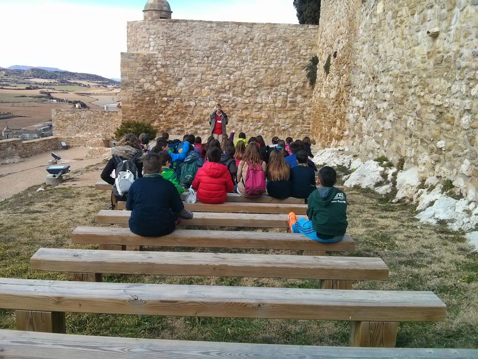 Alumnos del Colegio Minte en el Castillo de Benabarre