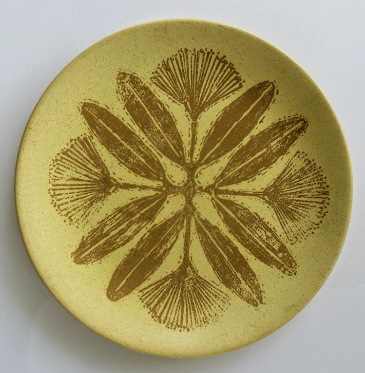 I donu0027t know who designed it; probably Crown Lynnu0027s long-term in-house head of design David Jenkin. The desert plates in my set are the plain sandy colour. & New Zealand Pottery and Crown Lynn with Valerie : MADE IN NEW ...