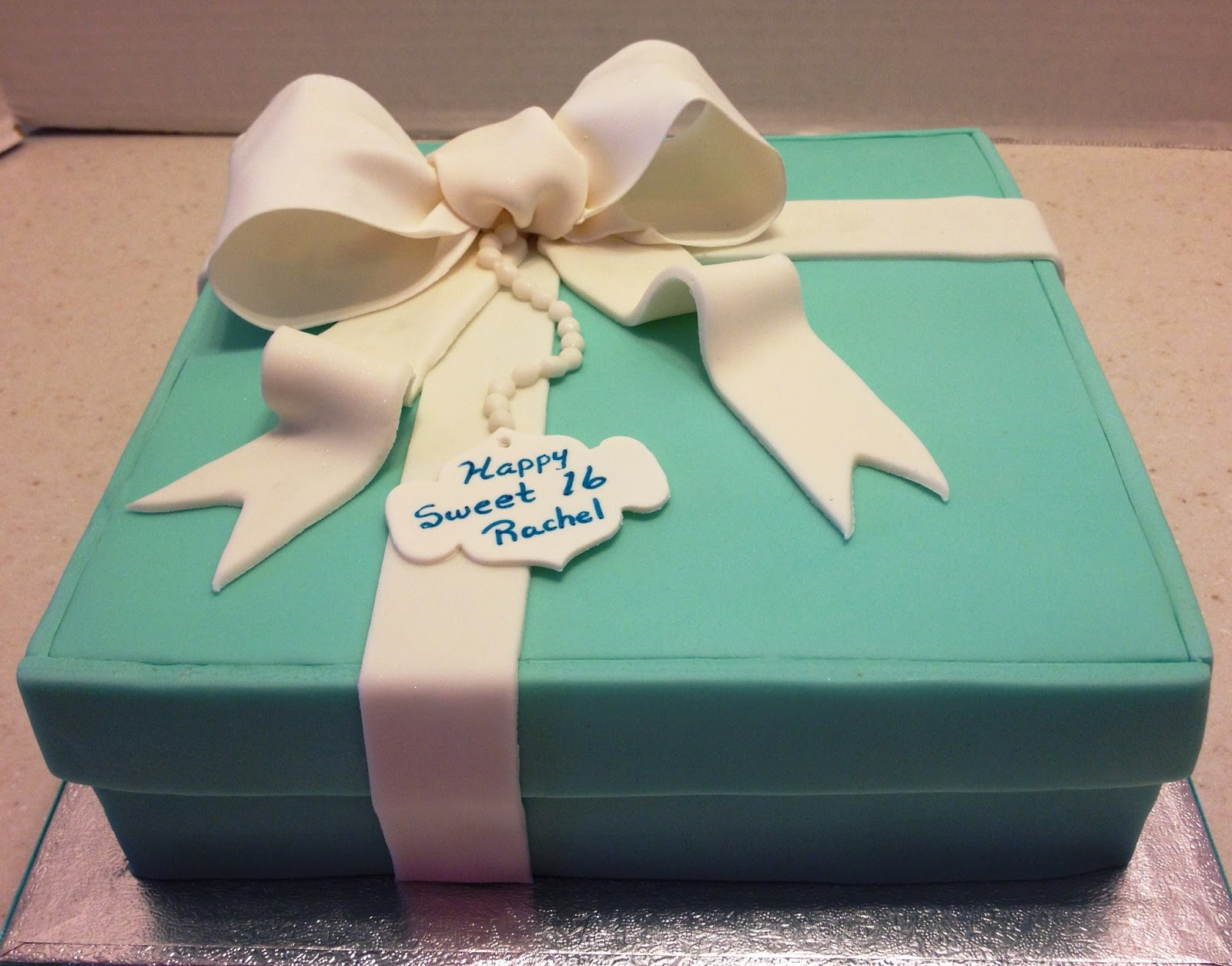 Marymel cakes sweet 16 tiffany gift box cupcakes negle