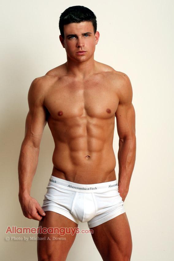 gay annunci milano ragazzi muscolosi gay