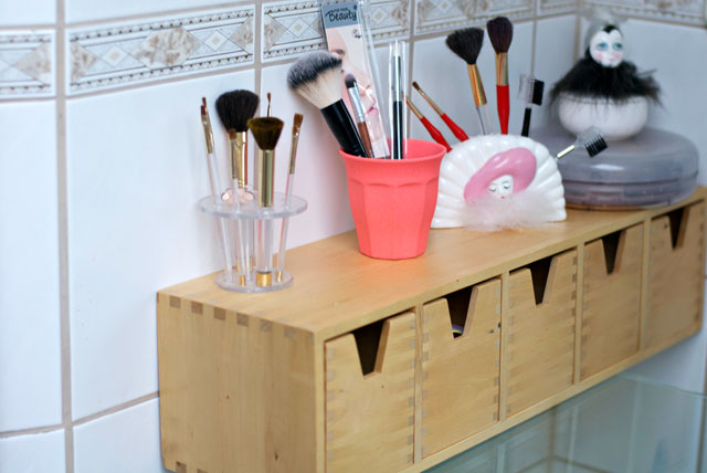 makeup storing drawers
