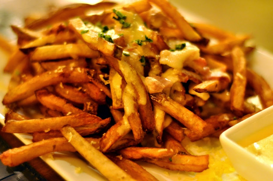 Duck-Fat-French-Fries-The-Broadway-Social-Bethlehem-PA-tasteasyougo.com