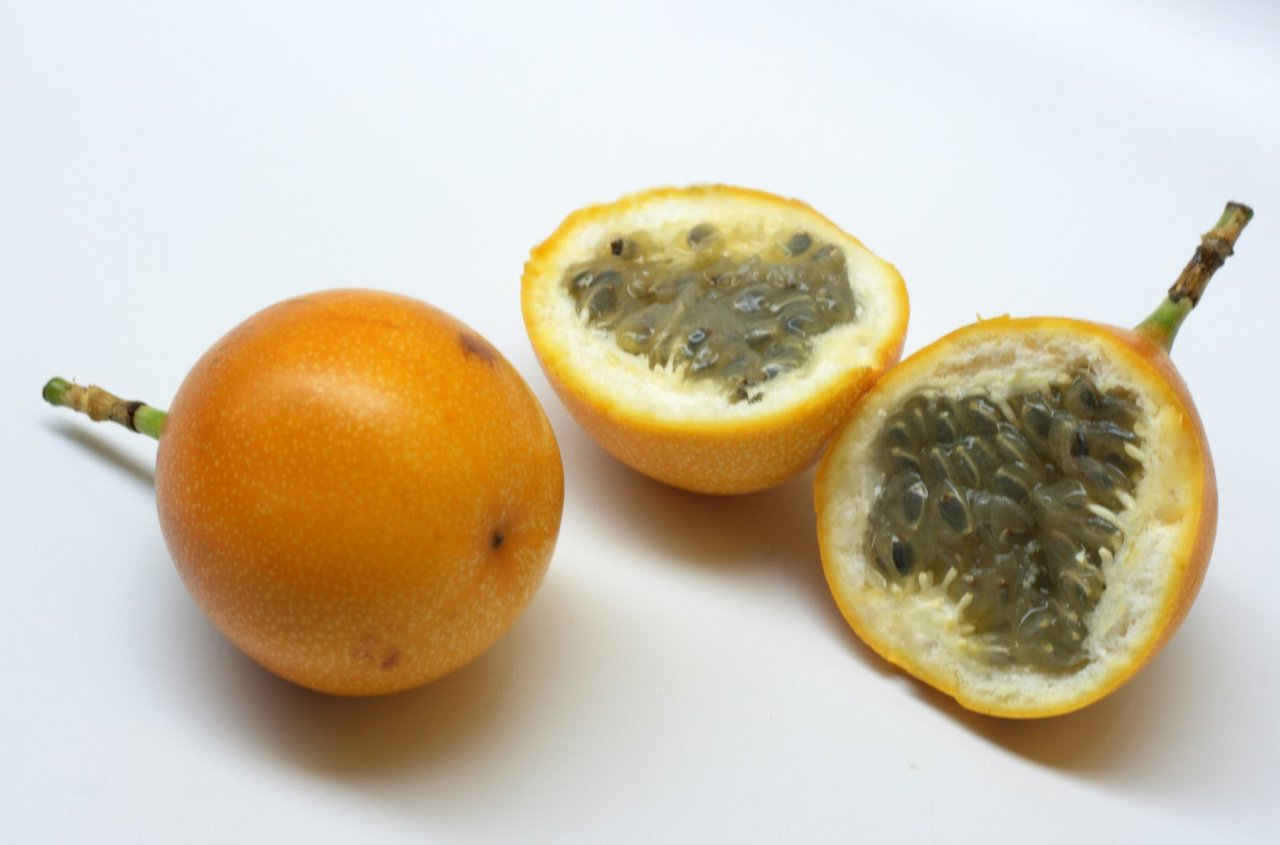 how to eat granadilla fruit