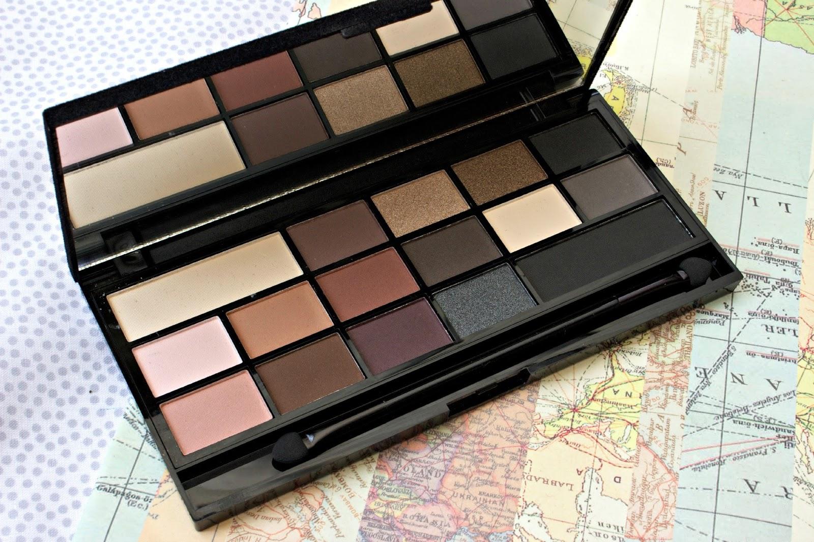 Makeup Revolution Black Velvet Palette
