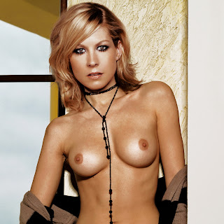 Jenna Elfman nude in Esquire Me in my place shoot UHQ