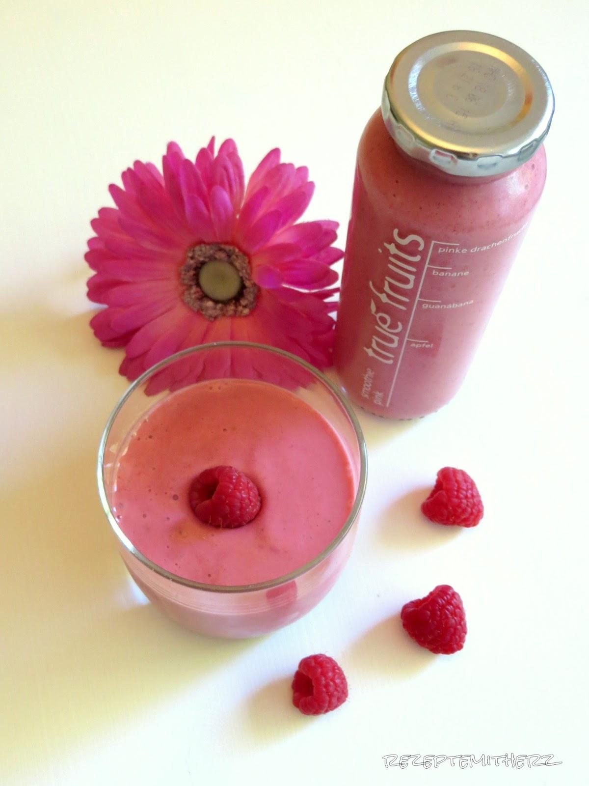pink smoothie himbeer smoothie mit kokosmilch und chia samen. Black Bedroom Furniture Sets. Home Design Ideas