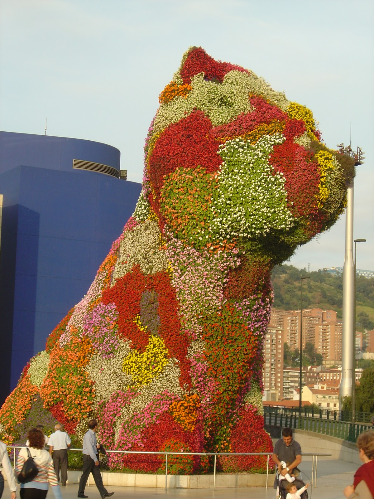 comparision jeff koons puppy