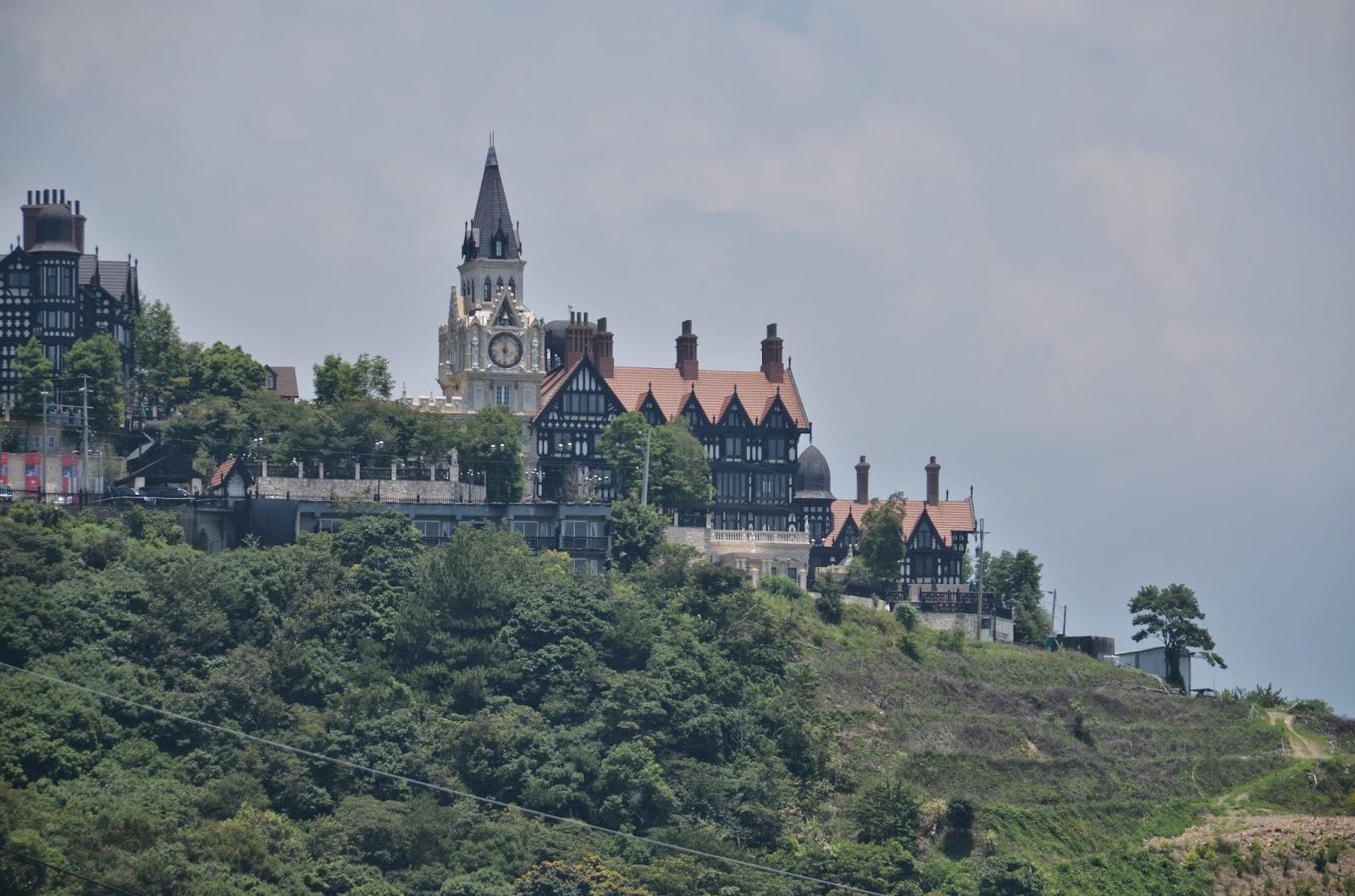 矗立在清境,夢幻般的童話城堡。(攝影:吳仁邦)