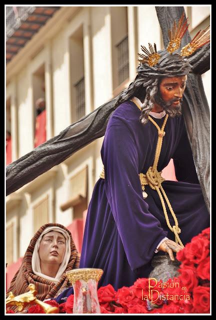 Traslado de la Esperanza de Triana y Santísimo Cristo de las Tres Caídas a su capilla Sábado Santo 2013