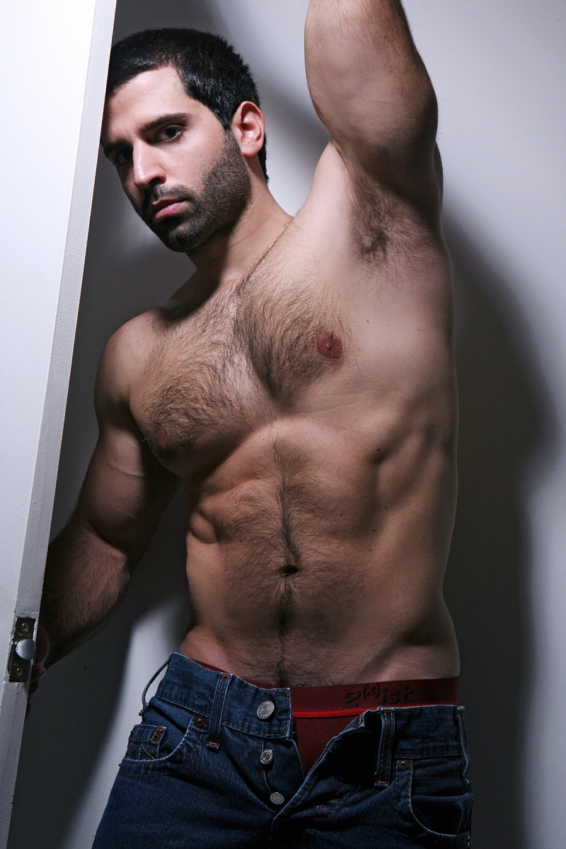 Hot Hairy Muscular Guys That We Want More And