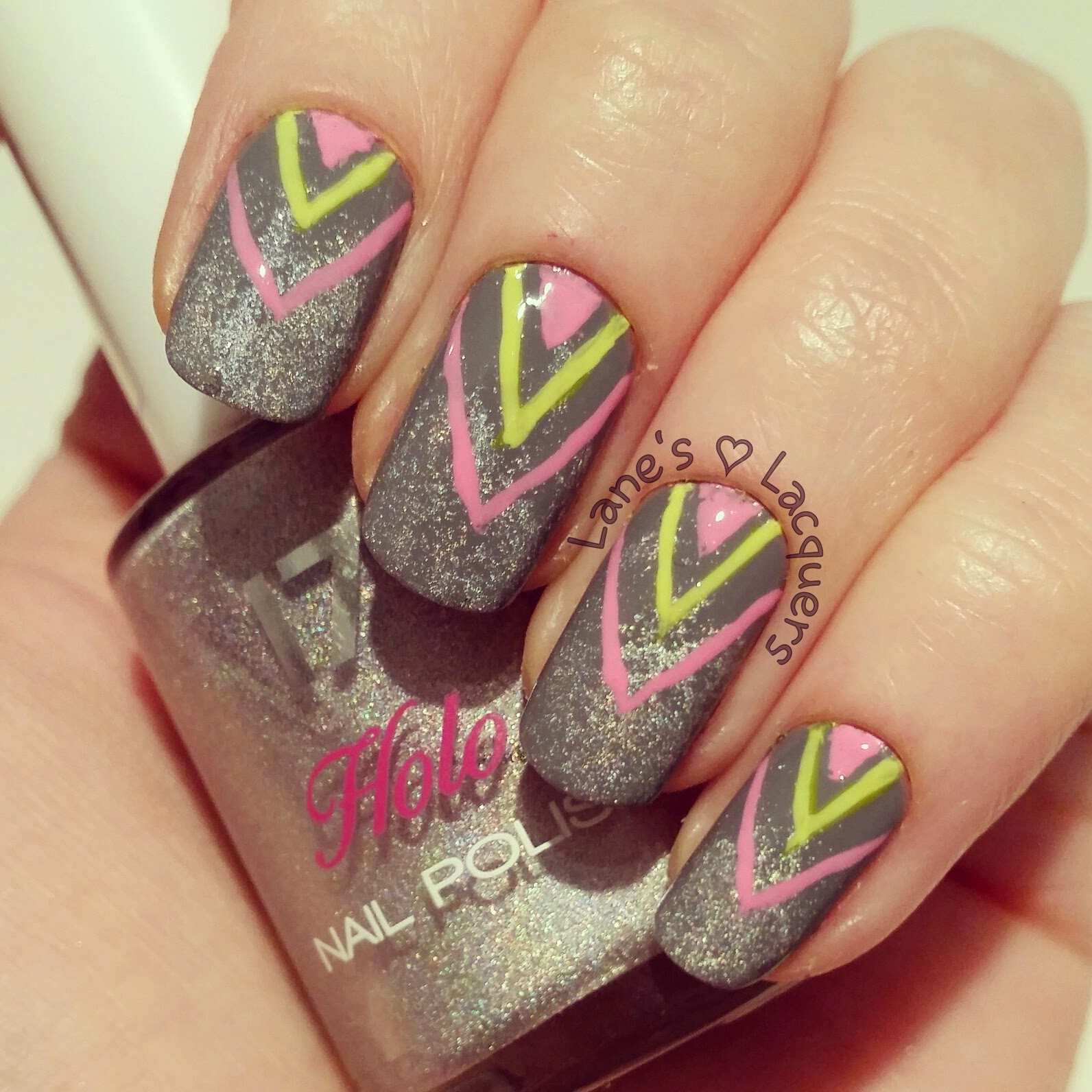 grey-holo-base-neon-chevron-freehand-nail-art (2)