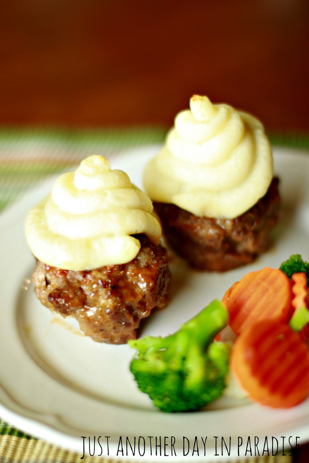 Just Another Day in Paradise: Mashed Potato Topped Mini Meatloaves