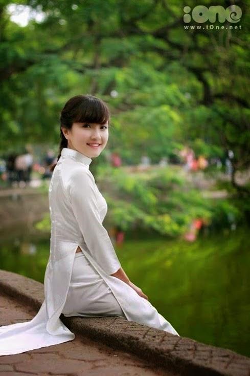 Ảnh gái đẹp diệu dàng trong tà áo dài 26