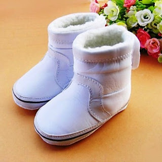 Model Sepatu Anak Perempuan Dengan Flat Boots
