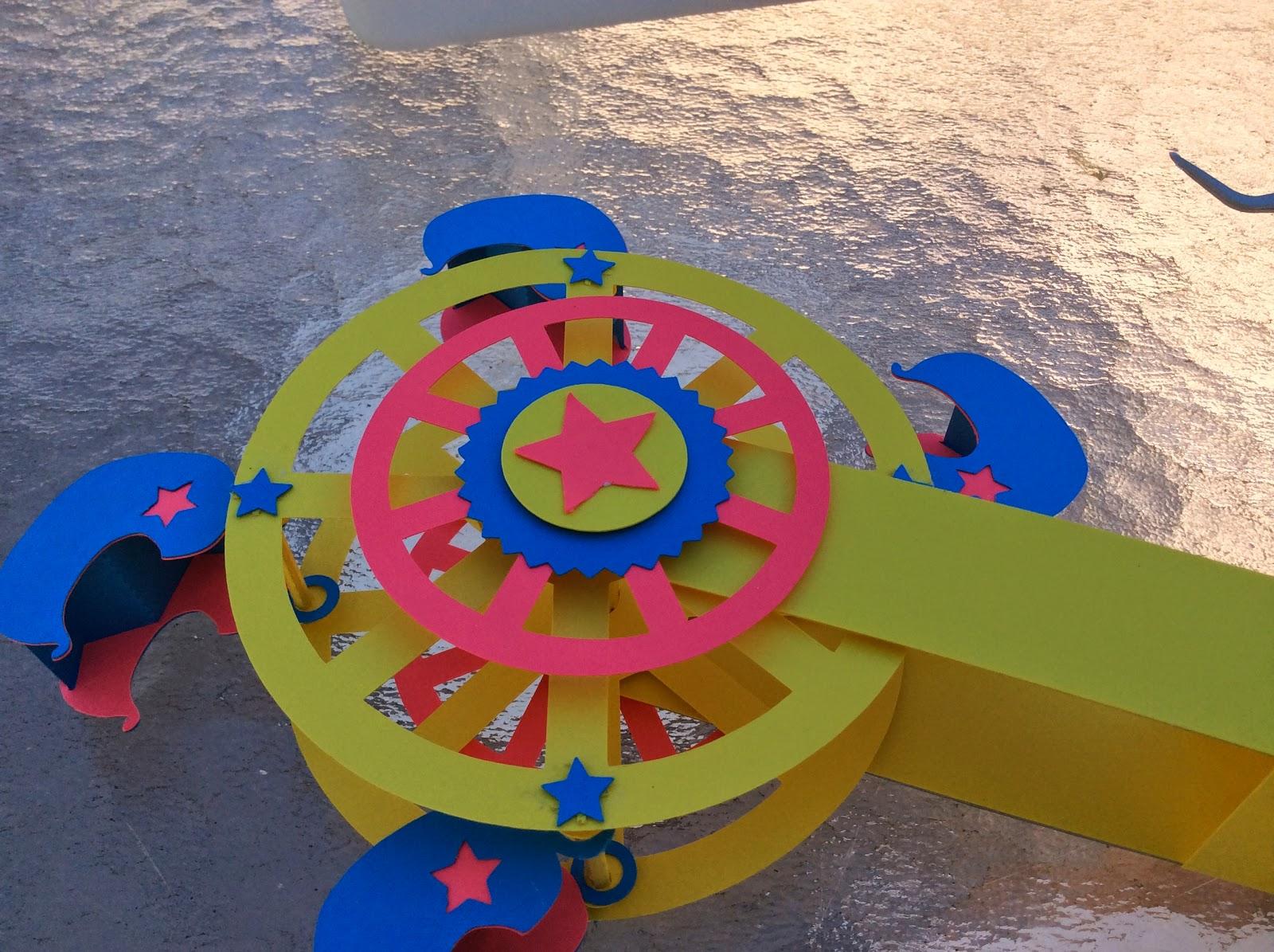 Сделать колесо обозрения из картона своими руками