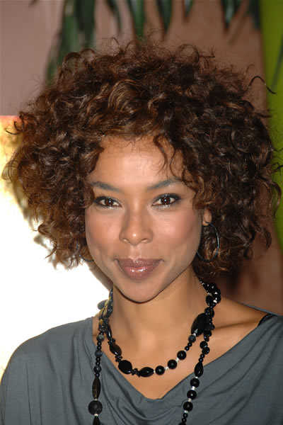 Site Blogspot  Hairstyl on Short Curly Black Hairstyle Pictures   Curly Hairstyle Ideas