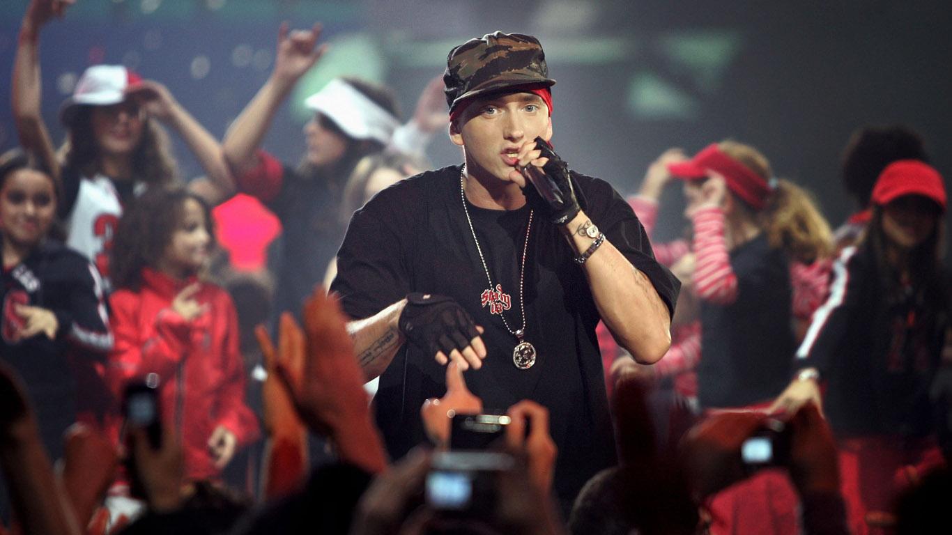 http://1.bp.blogspot.com/-ralWsvLRfO0/T5_yla4sNyI/AAAAAAAAAvo/Gi8cIm0zH7A/s1600/Eminem-wallpaper-1366x768.jpg