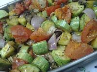 Abobrinha com Tomate, Cebola e Cogumelos (vegana)