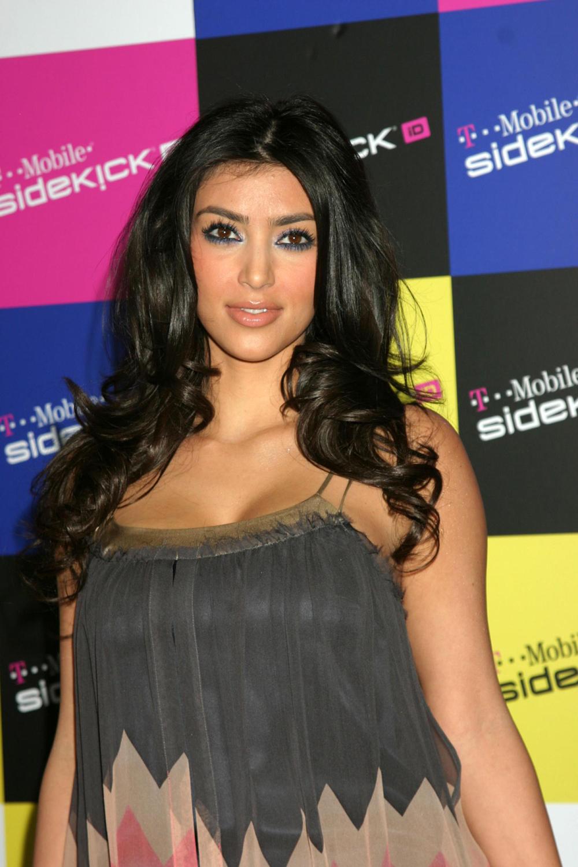 Kim Kardashian Curly Hair 08