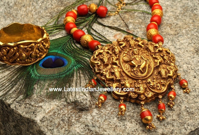 Divine Nagas Work Necklace