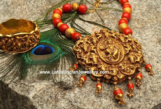 Divine Nagas Work Necklace