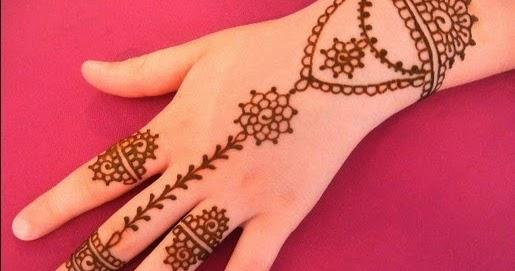 Lihat 47 Gambar Motif Henna Tangan Simple Cantik Pemula