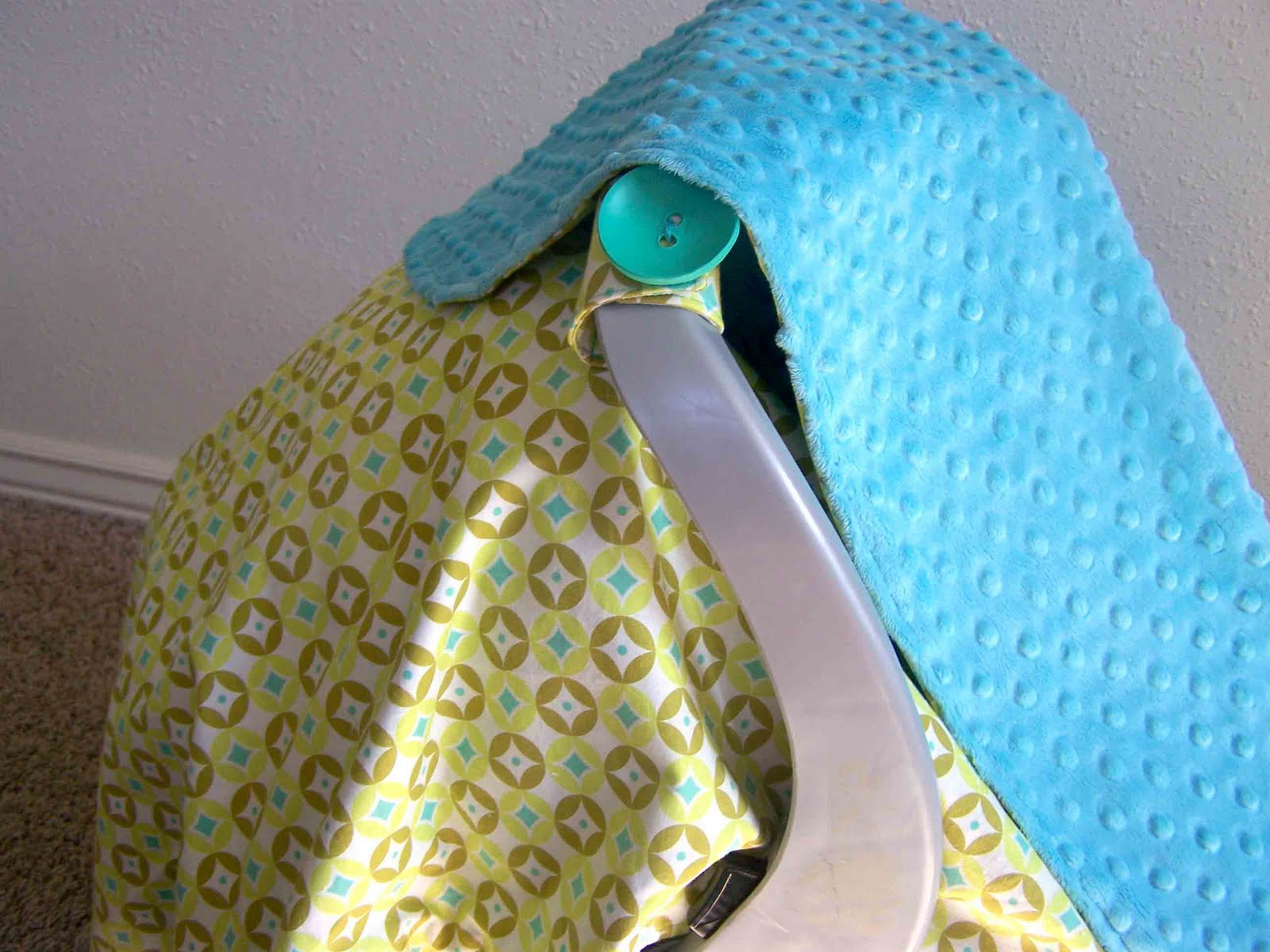 Baby Car Seat Blanket Pattern - so easy but very useful.