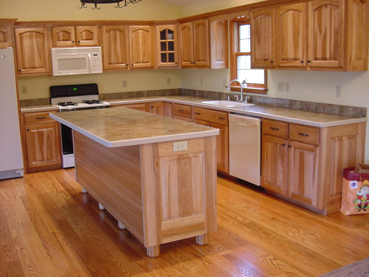 House construction in india kitchens countertop materials - Counter island designs ...