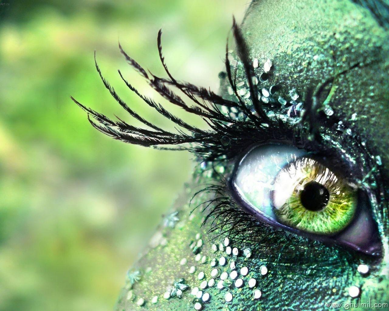 http://1.bp.blogspot.com/-rb0CjHAjWMY/TllCrPpssdI/AAAAAAAADfo/1Jl8cpvskpA/s1600/beautiful--3d-hd-eye-Desktopwallpaper.jpg