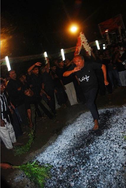 Asyura Syiah Jalan di atas Bara Api