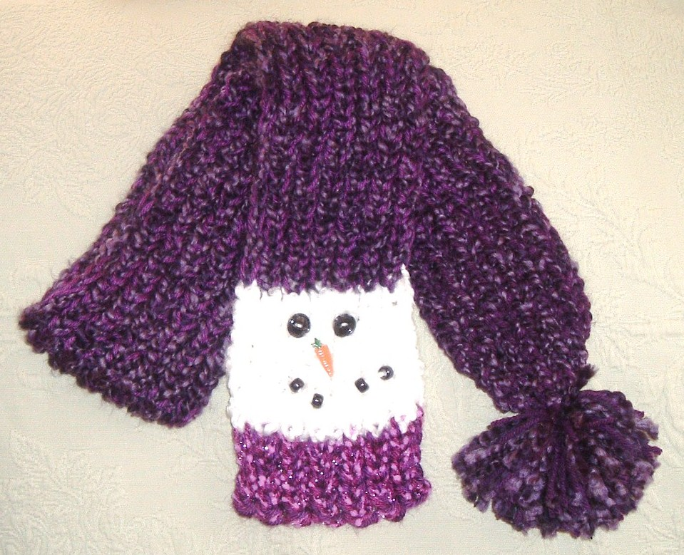 Snowman Scarf Pattern A snowman scarf from here