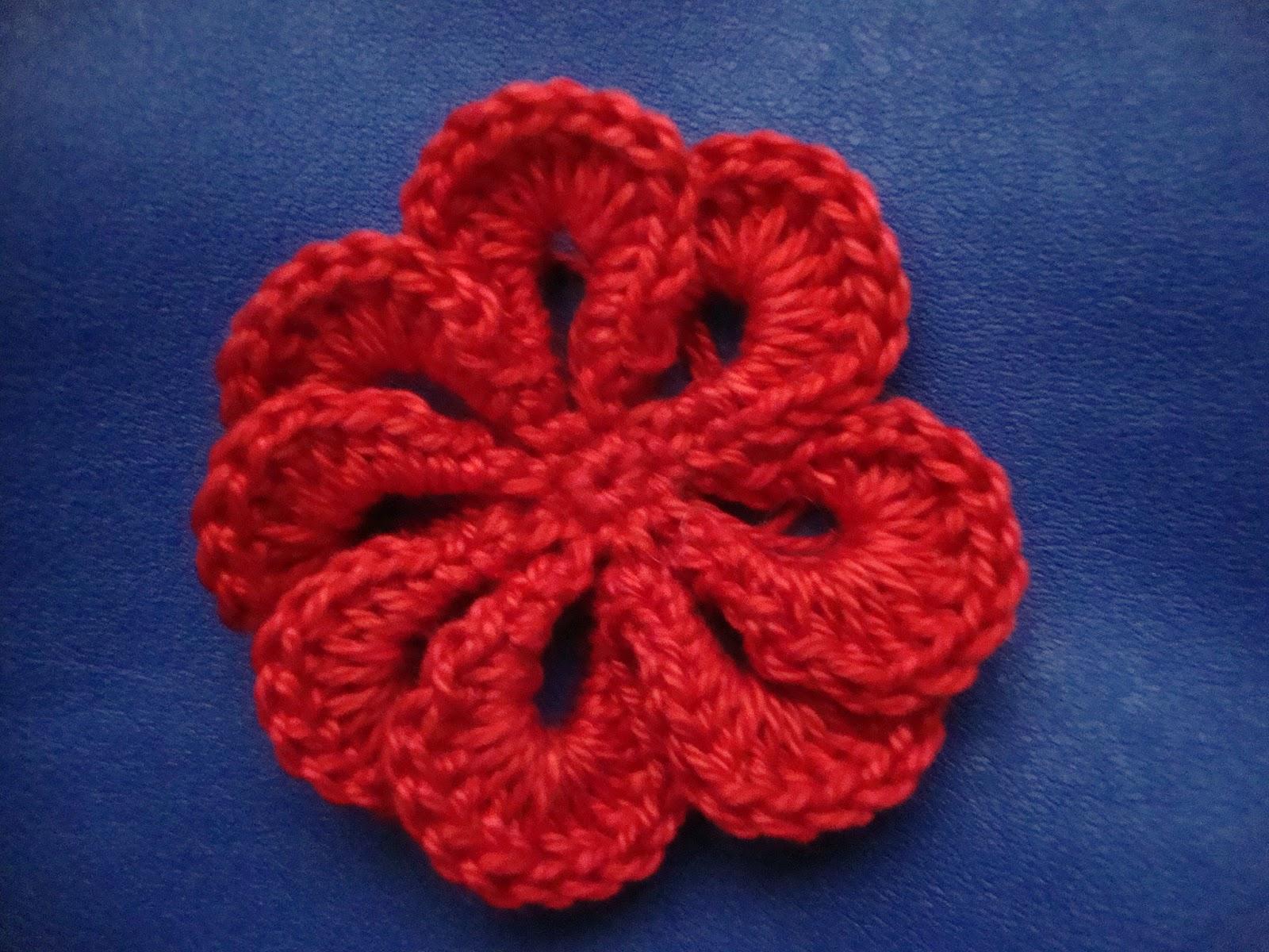 Le fragole di stoffa: fiore all'uncinetto con spiegazione, crochet