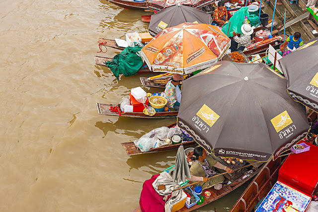 Bazar na wodzie - Tajlandia