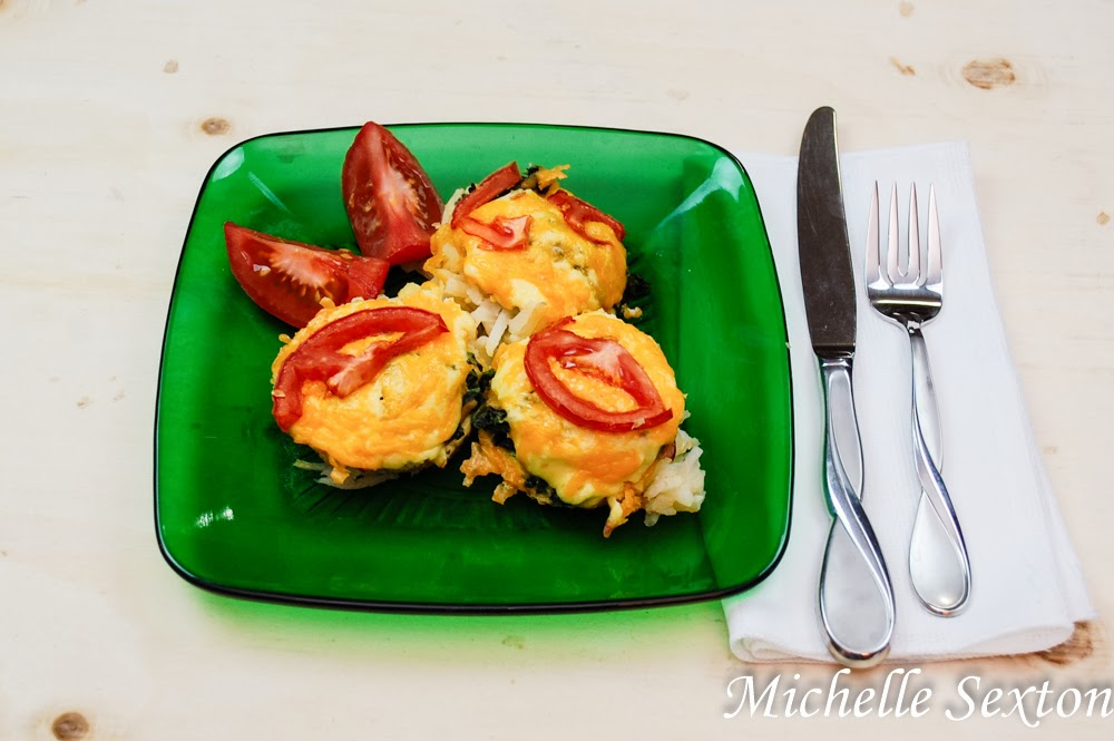 Canadian Bacon & Egg Muffins with hash browns - don't miss out on this recipe!