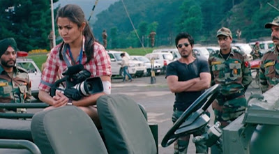 shahrukh as a army soldier along with anushka sharma