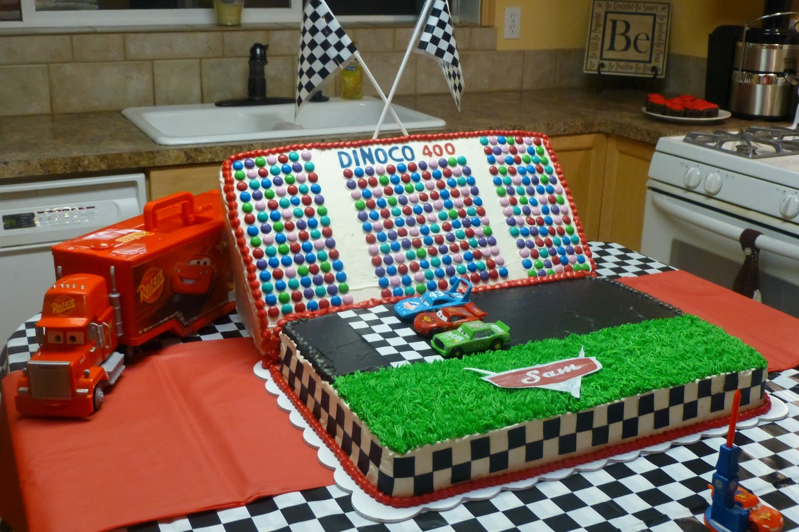 Crazy About Cakes Sams CARS Birthday CakeStarring Lightning