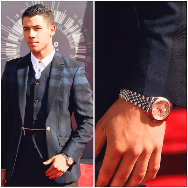 Nick Jonas wears Vivienne Westwood MAN blue suit to 2014 MTV VMAs