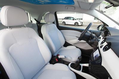 Interiorul noului Opel Adam
