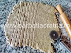 Tarta cu gem Linzer torte preparare reteta aluat taiat fasii pentru grilajul de deasupra