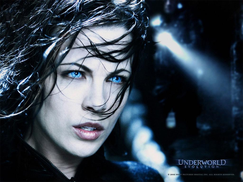 Kate Beckinsale Underworld Wallpaper Pictures Images  - kate beckinsale in underworld wallpapers
