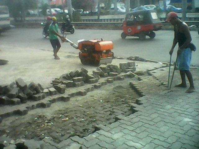 Bongkar Pasang Paving Block
